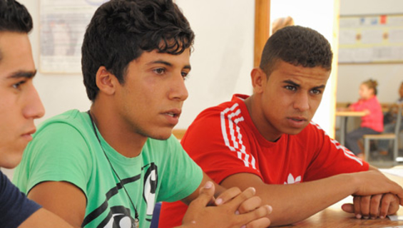 Young people in an awareness session on HIV / STIs in Fez © 2013 UNFPA/Morocco